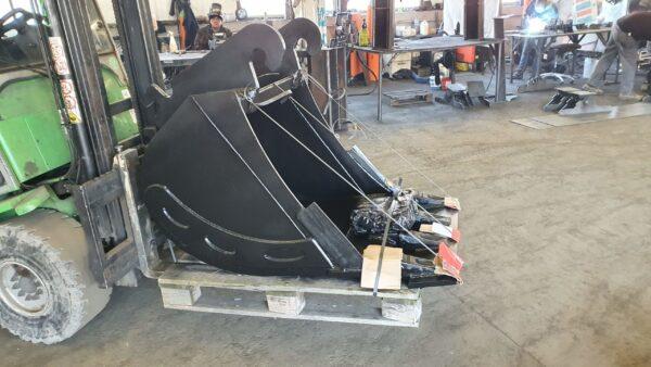 70 cm – Łyżka podsiębierna do koparki 13,1 – 18 ton
