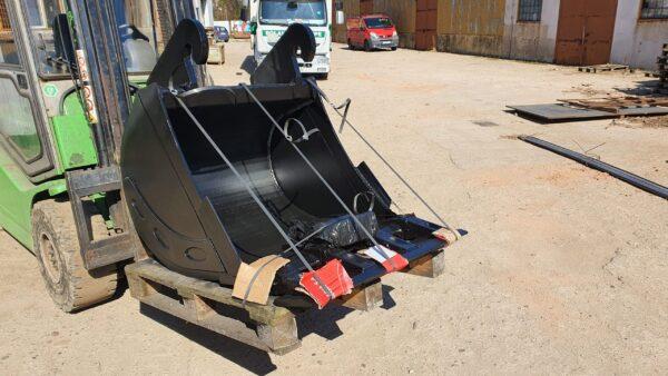 90 cm – Łyżka podsiębierna do koparki 13,1 – 18 ton