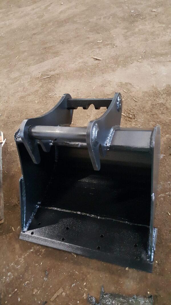 60 cm – Łyżka podsiębierna do koparki 1,9 – 2,5 ton