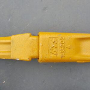 Ząb do łyżki koparki CAT J200 + adapter