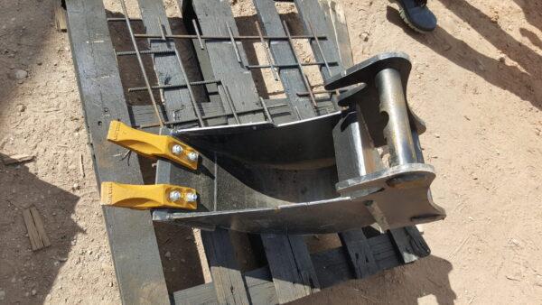 20 cm – Łyżka podsiębierna do koparki do 1 tony