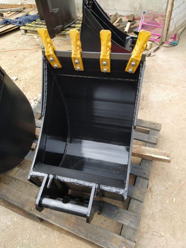 60 cm – Łyżka podsiębierna do koparki do 1 tony