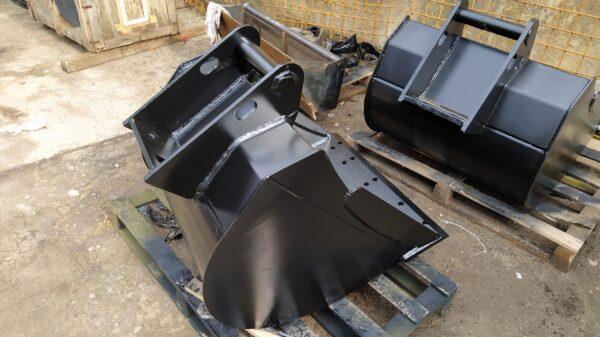 70 cm – Łyżka podsiębierna do koparki 2,6 – 3,5 ton